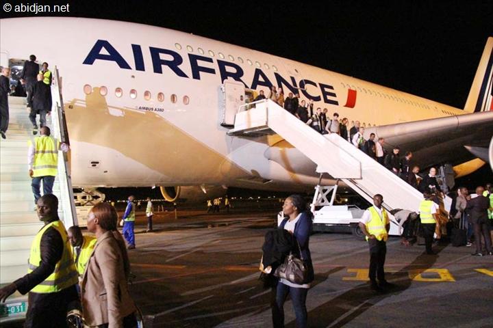 L'AIRBUS A380 S'EST  POSE POUR LA PREMIERE FOIS A ABIDJAN AVEC A SON BORD PLUSIEURS HOMMES D'AFFAIRES FRANCAIS VENUS PARTICIPER AU FORUM ICI 2014