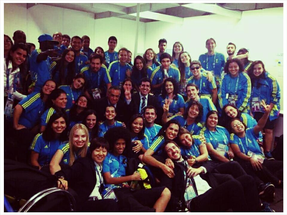 Les volontaires du Smc avec les membres de la Fifa et du Comité local d'organisation